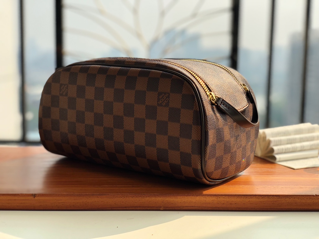 Replica Louis Vuitton N47527 King Size Toiletry Bag Damier Ebene