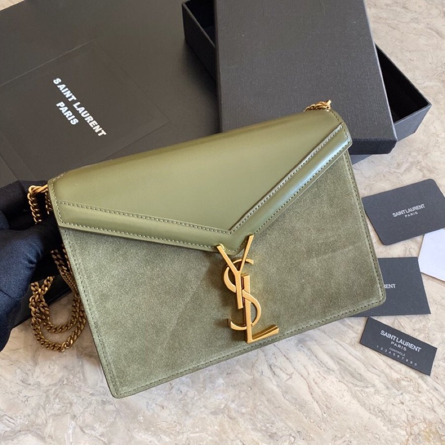 Replica Saint Laurent CASSANDRA Monogram Clasp bag in Smooth Leather Green