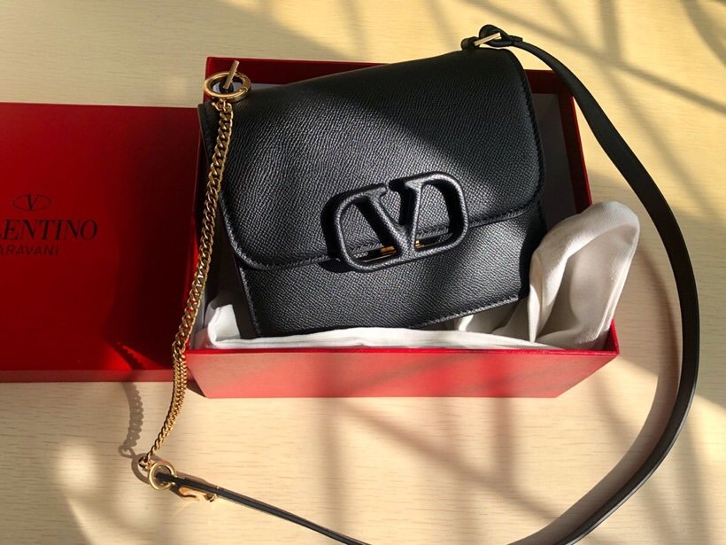 Replica Valentino Garavani VSLING Grainy Calfskin Shoulder Bag Black
