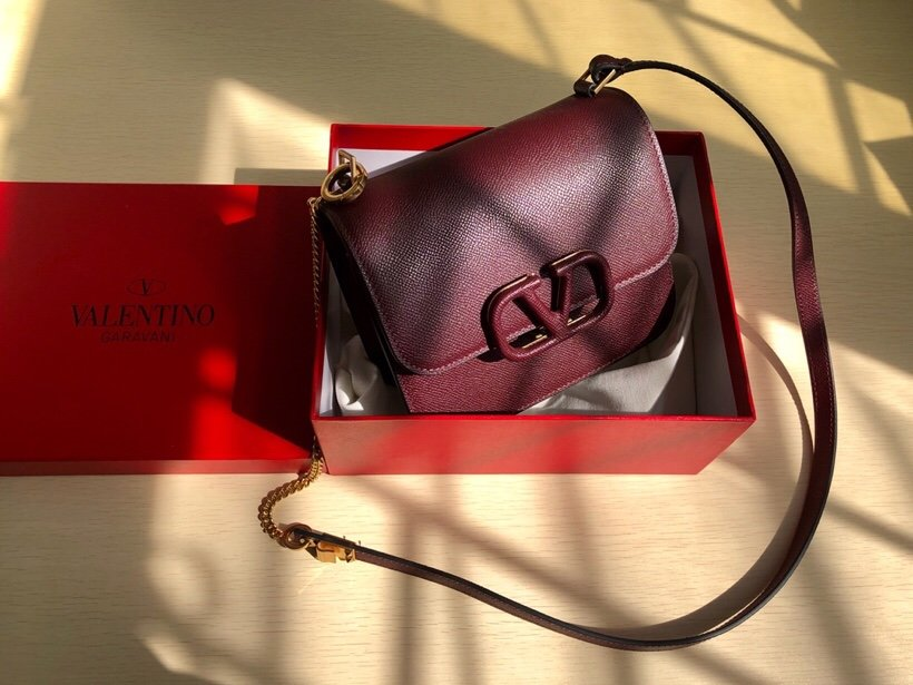 Replica Valentino Garavani VSLING Grainy Calfskin Shoulder Bag Dark Red