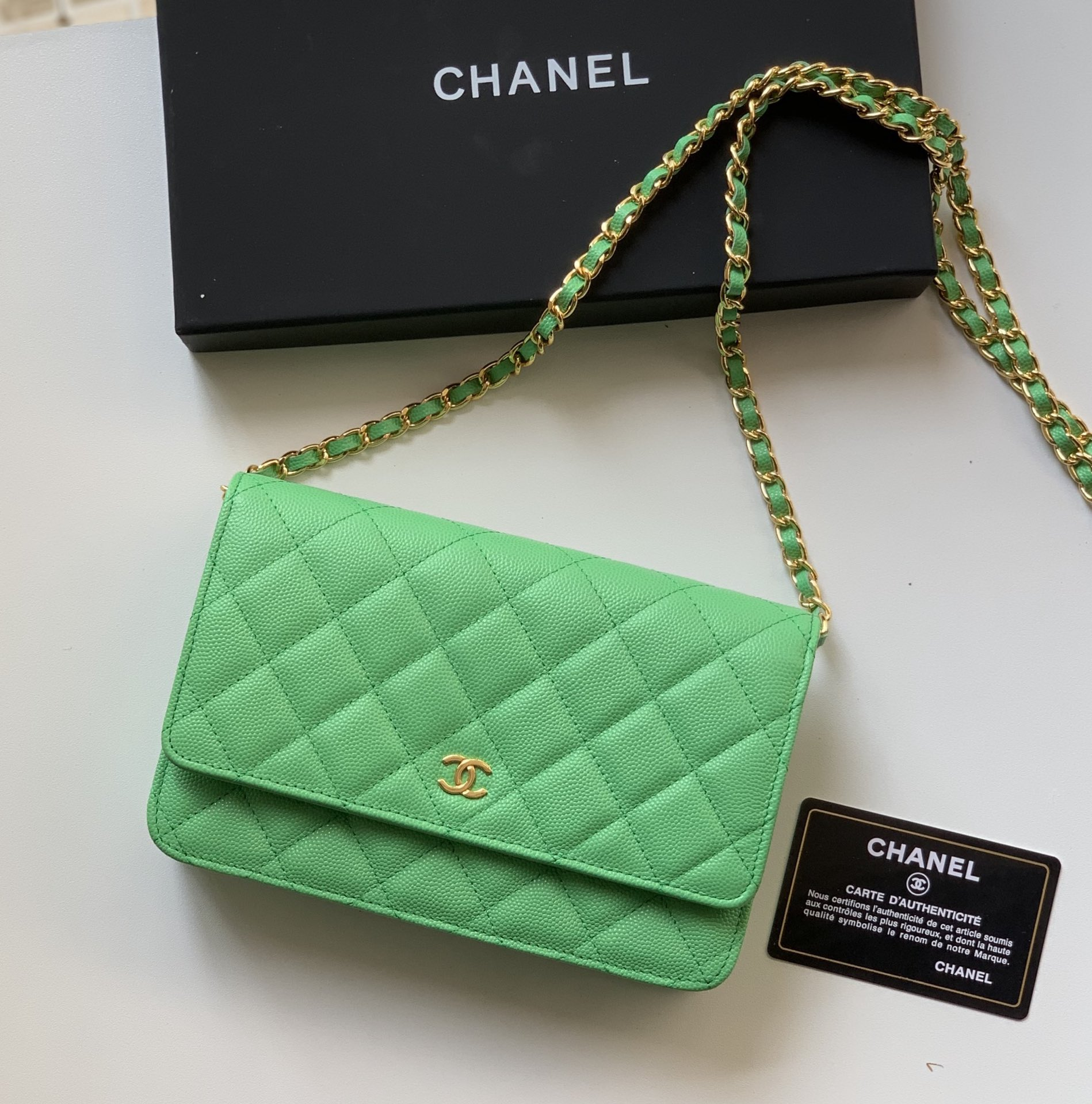 Top Quality Chanel Woc Wallet On Chain Iridescent Grained Lambskin Gold-Tone Metal Medium Green